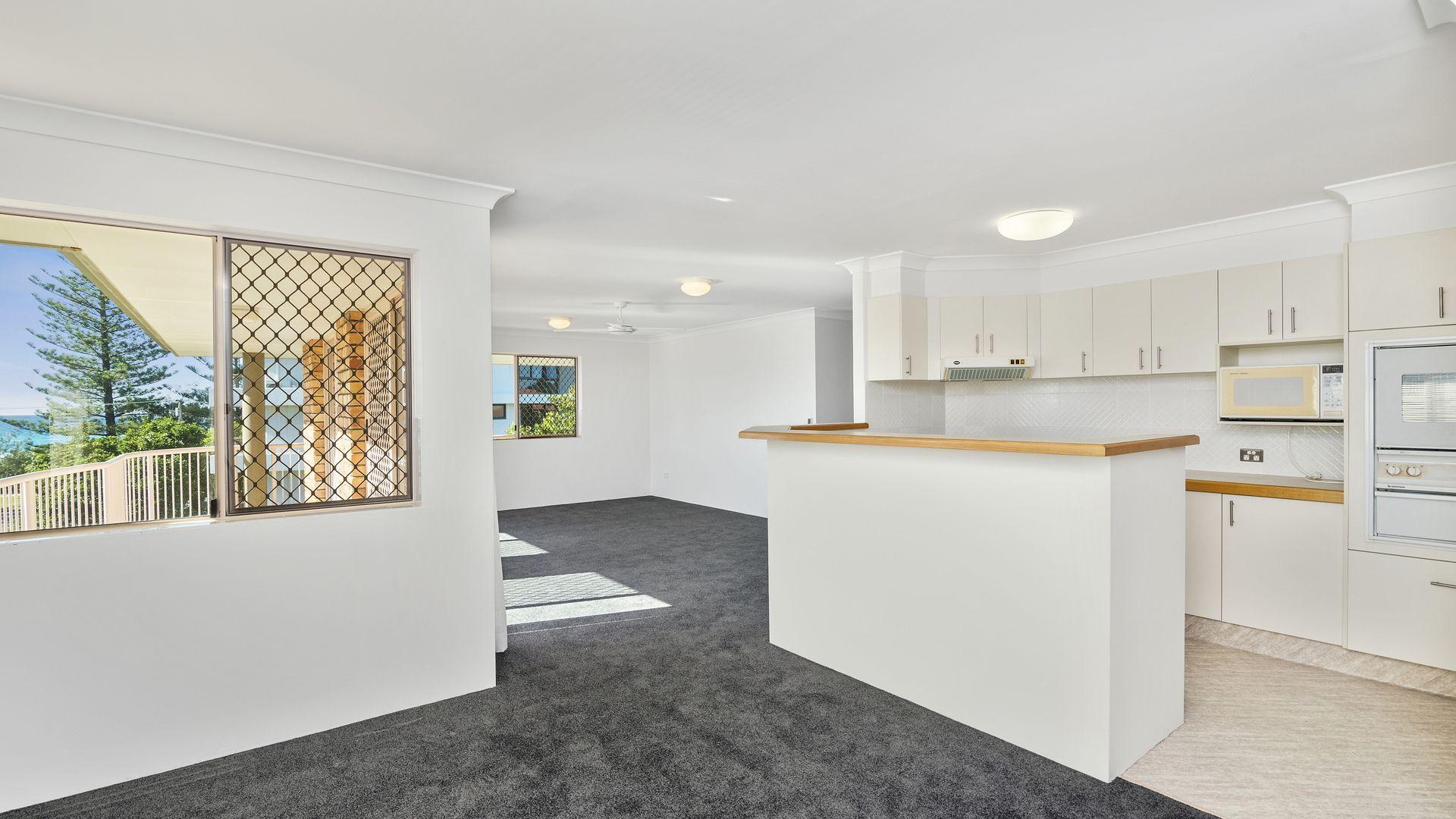 9/125 Golden Four Drive, Bilinga QLD 4225, Image 2