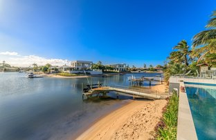 Picture of 9 Andrea Avenue, Broadbeach Waters QLD 4218