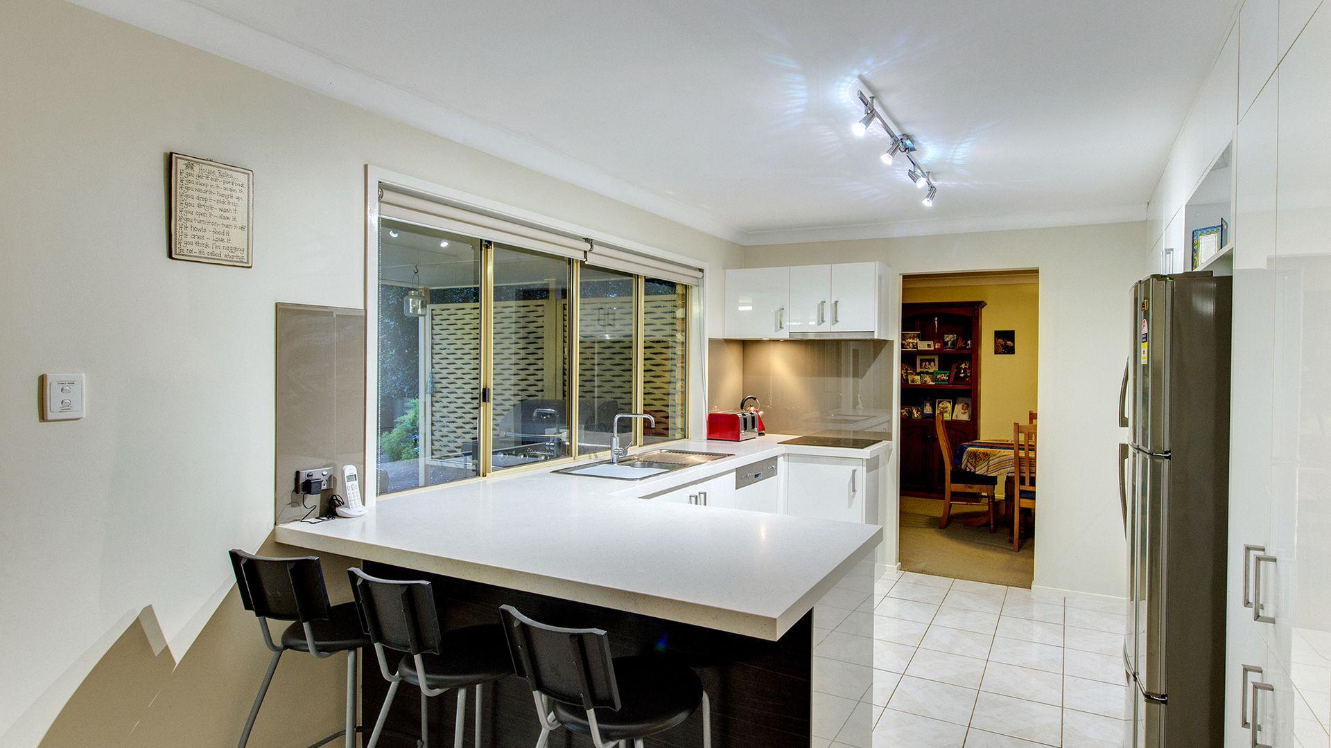 66 Parklands Street, Calamvale QLD 4116, Image 2