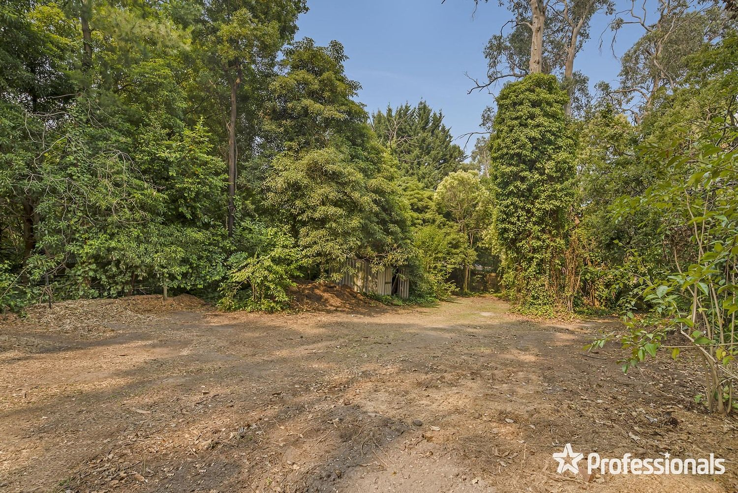 16 Hereford Road, Mount Evelyn VIC 3796, Image 2