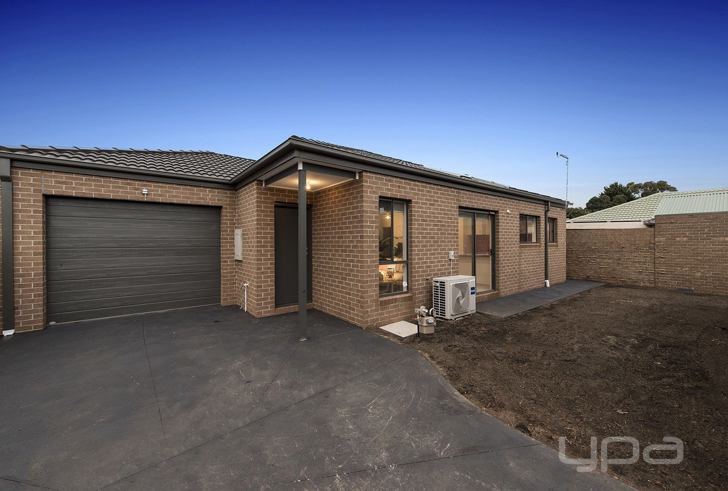 2/3 Mitchell Road, Melton South VIC 3338, Image 0