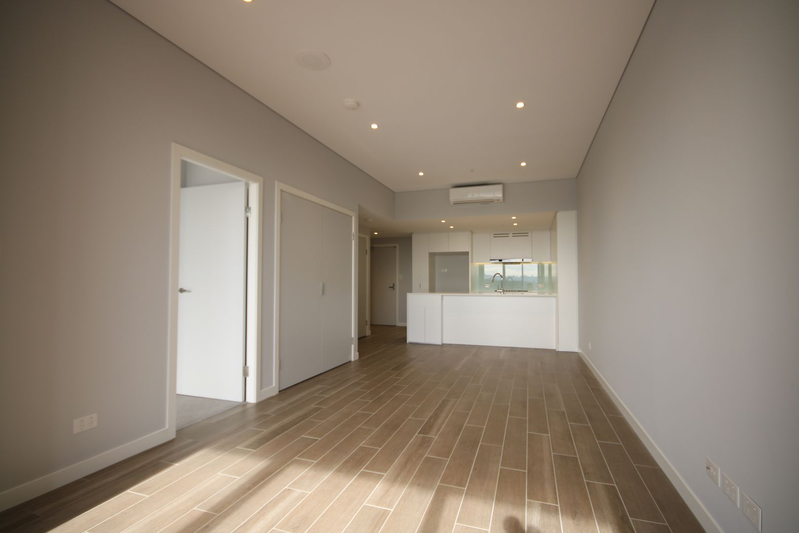 702/3 Foreshore Place, Wentworth Point NSW 2127, Image 2