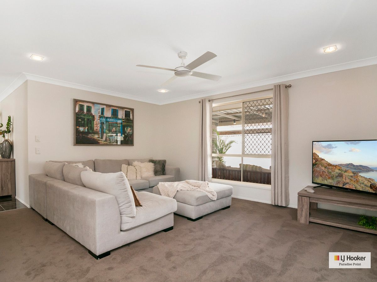 27 Numbat Court, Coombabah QLD 4216, Image 2