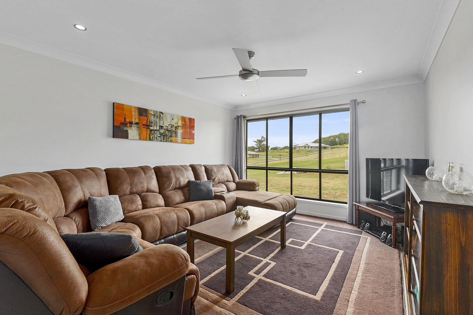 8 Sunshine Way, Kingsthorpe QLD 4400, Image 1