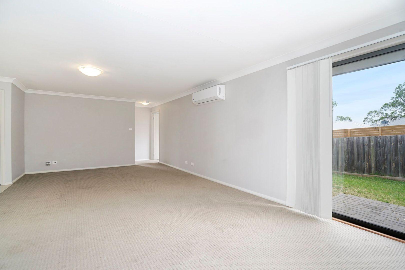 28 Redgum Circuit, Aberglasslyn NSW 2320, Image 2