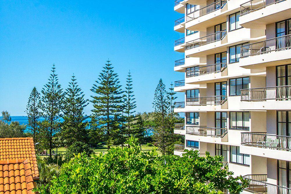 11/8 Queensland Avenue, Broadbeach QLD 4218, Image 0