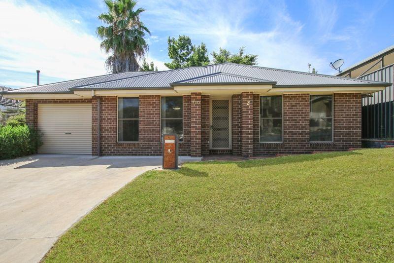 2/510 Cossor Street, Albury NSW 2640, Image 0