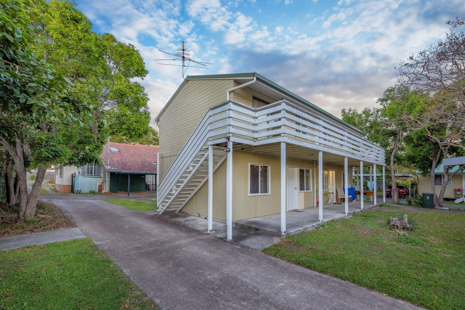 9 Clinton Street, Coopers Plains QLD 4108, Image 2