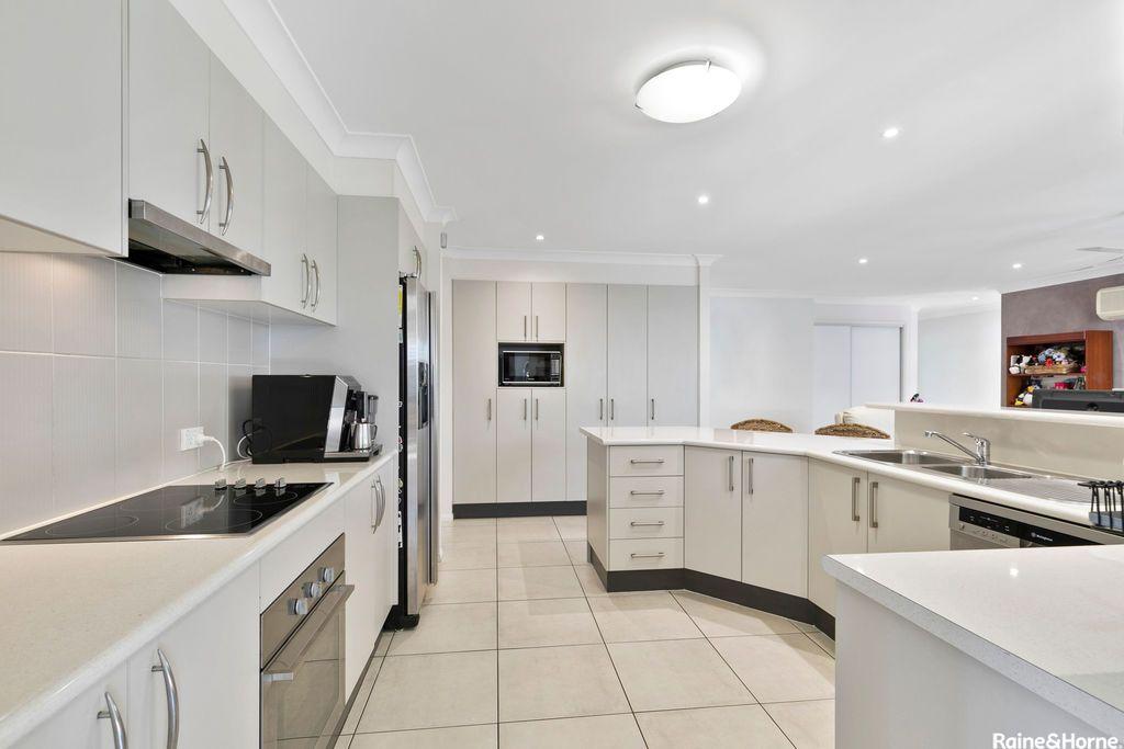 25 Allister Crescent, Rothwell QLD 4022, Image 1