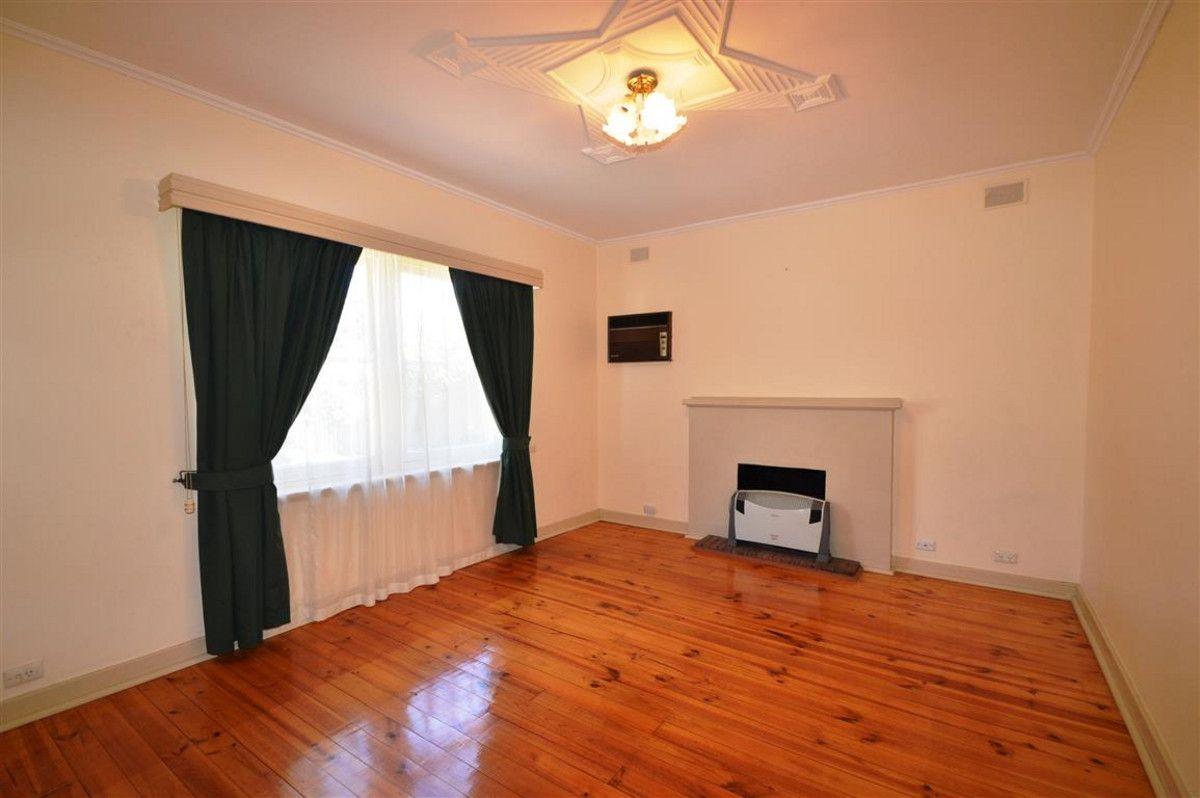 25 English Avenue, Clovelly Park SA 5042, Image 2