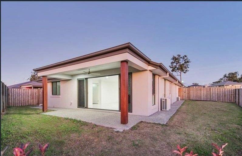 49 Jindalba Drive, Coomera QLD 4209, Image 2