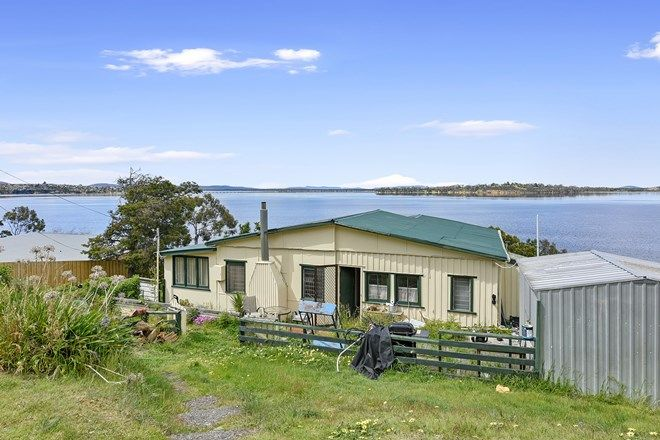Picture of 573 Shark Point Road, PENNA TAS 7171