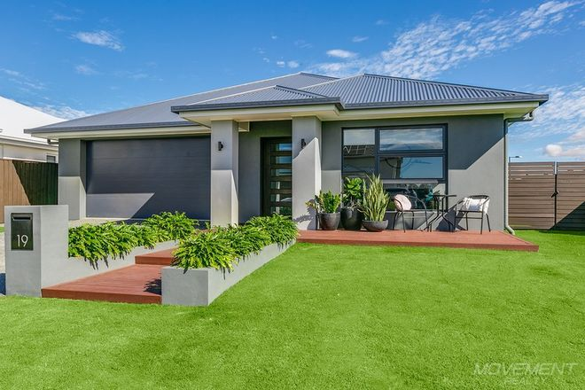 Picture of 19 Denham Place, BURPENGARY EAST QLD 4505