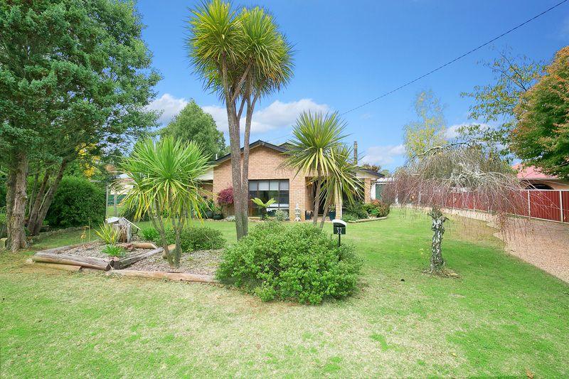 32 Manse Street, Guyra NSW 2365, Image 1