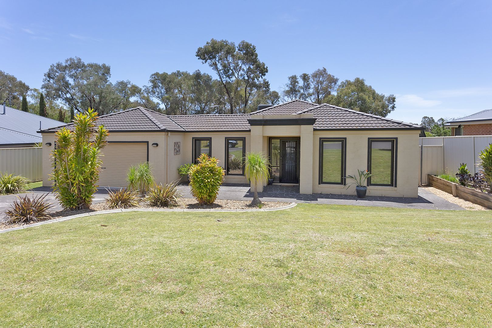 71 Dunne Crescent, Thurgoona NSW 2640, Image 0