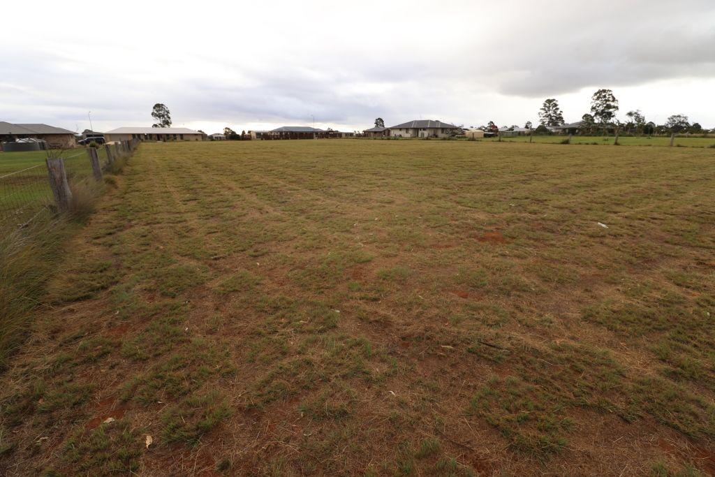 69 ROSELLA PARADE, Kingaroy QLD 4610, Image 2