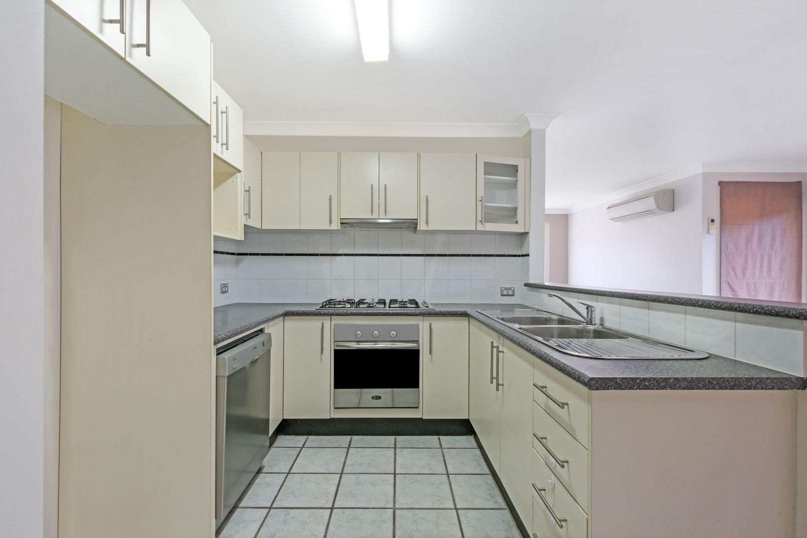 10 Yeldah Drive, Horsley NSW 2530, Image 1