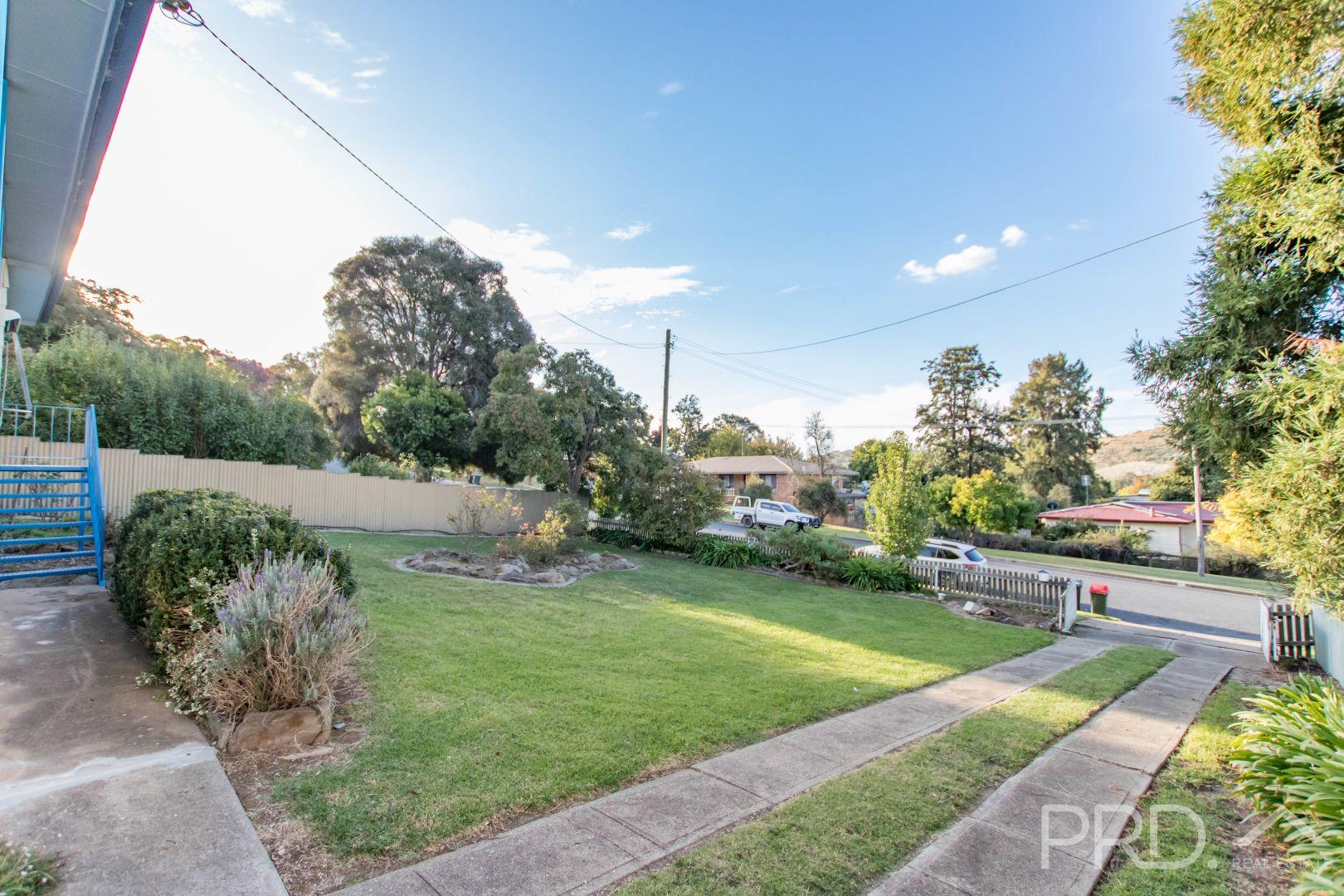 91 Lynch Street, Adelong NSW 2729, Image 2