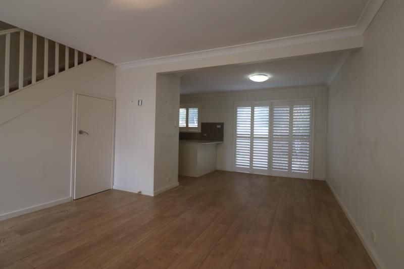 2/21-23 Nolan Avenue, Engadine NSW 2233, Image 1