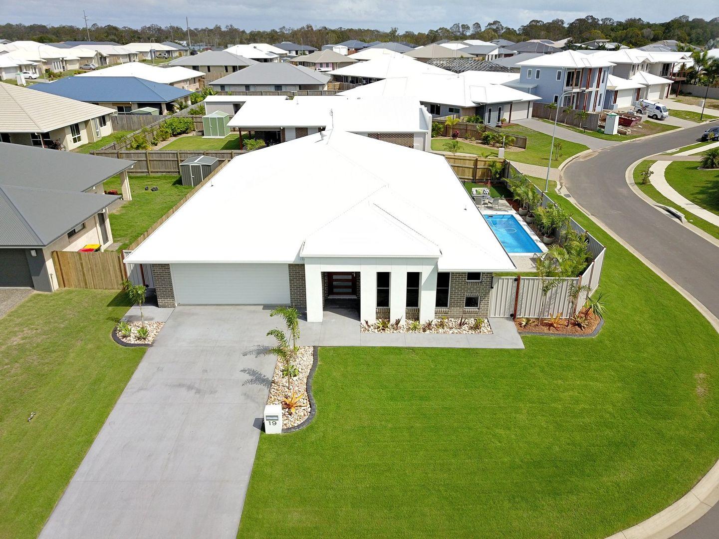 19 Seahaven Circuit, Pialba QLD 4655, Image 1
