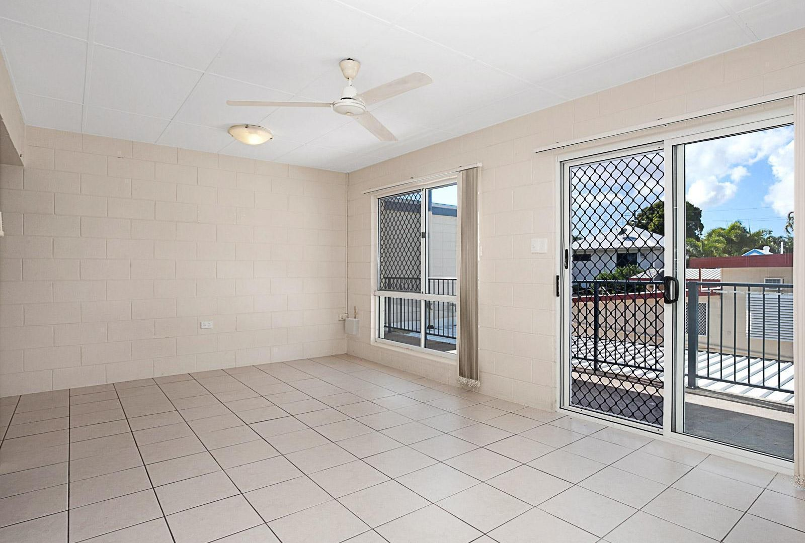 4/39 Armstrong Street, Hermit Park QLD 4812, Image 1
