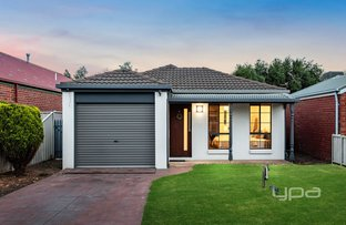 Picture of 15 Waterford Avenue, Craigieburn VIC 3064
