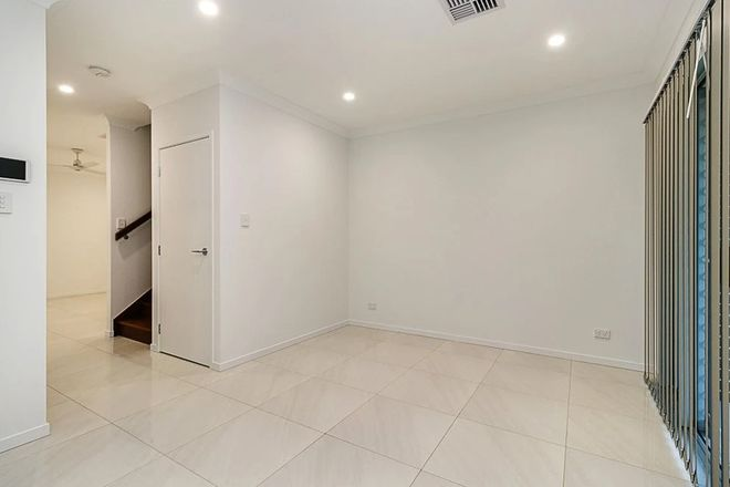 Picture of 2/43 Alma Road, CLAYFIELD QLD 4011