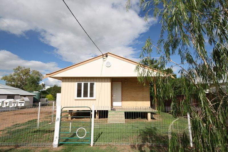 1/10 Lark Street, Longreach QLD 4730, Image 0