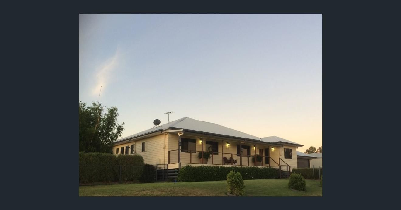 9 Birch Drive, Emerald QLD 4720, Image 2