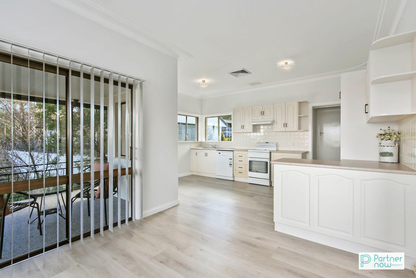 18 Shrewsbury Avenue, Tamworth NSW 2340, Image 2