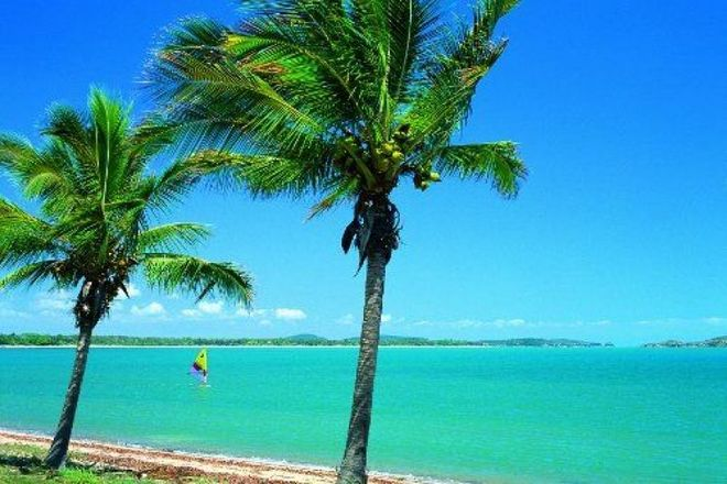 Picture of BLACKS BEACH QLD 4740