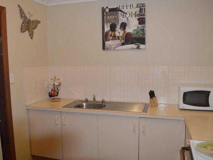 1/3 Dalton Street, Southport QLD 4215, Image 2