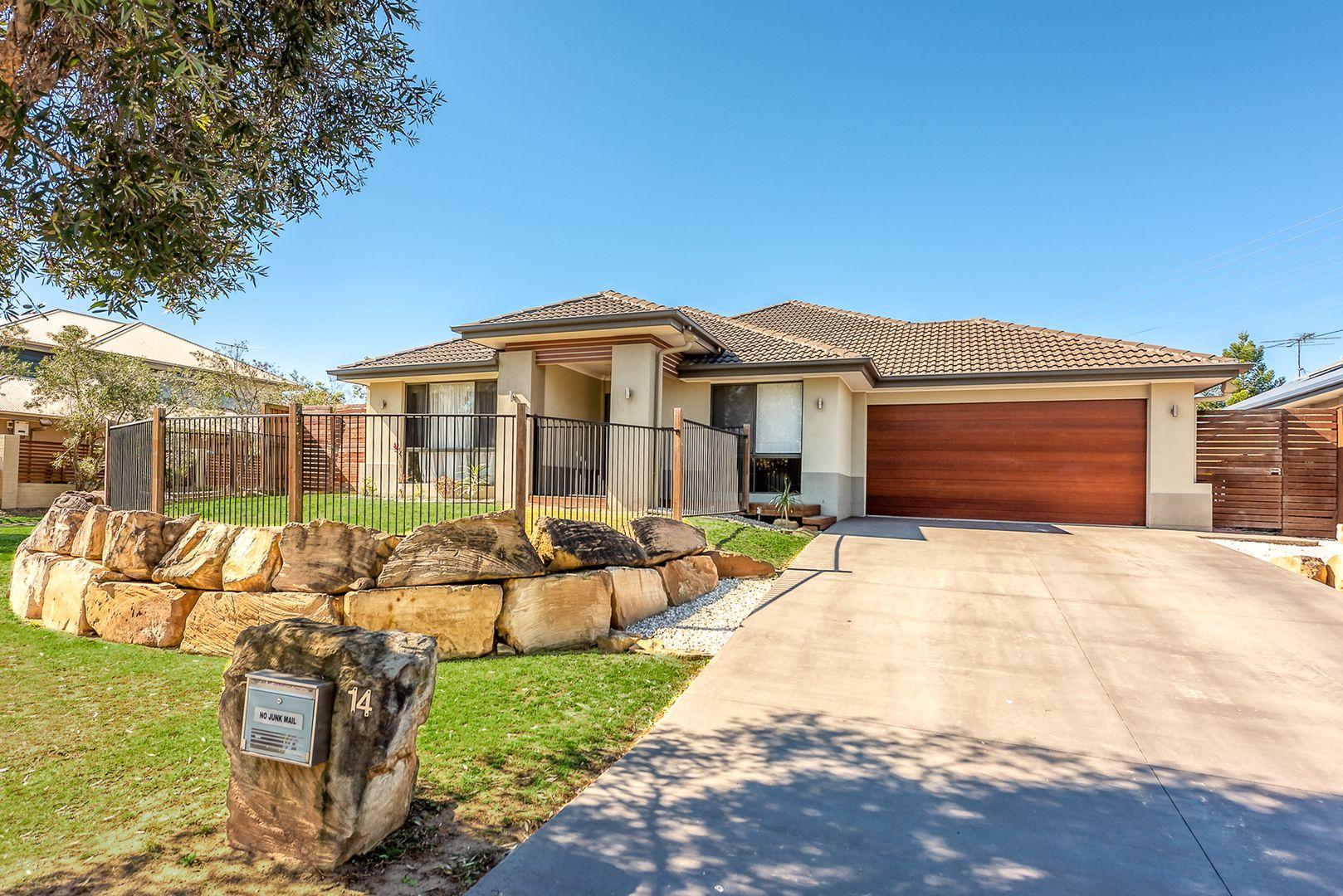 14 Lennox Close, Manly West QLD 4179, Image 0