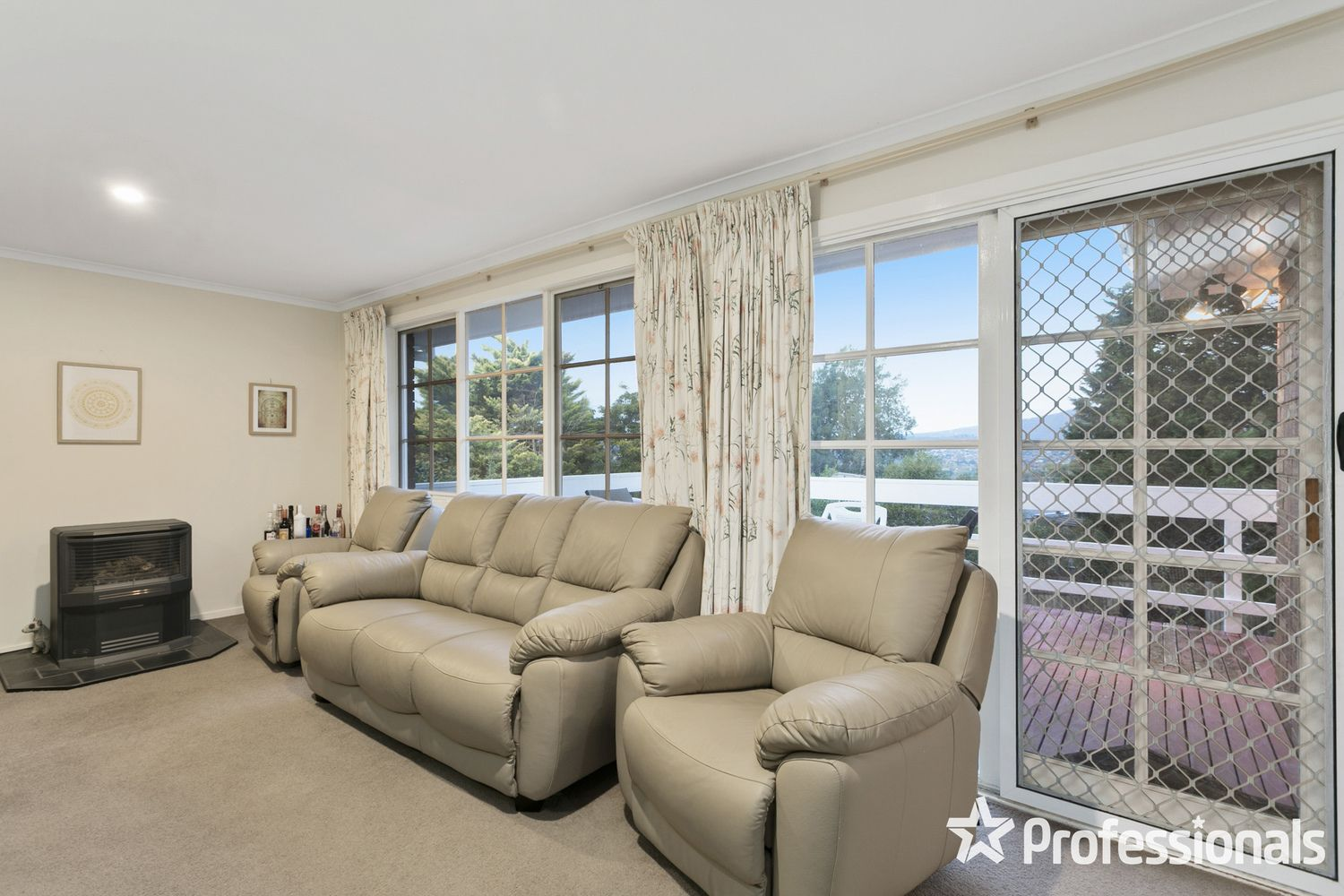 2 Gould Place, Mooroolbark VIC 3138, Image 1