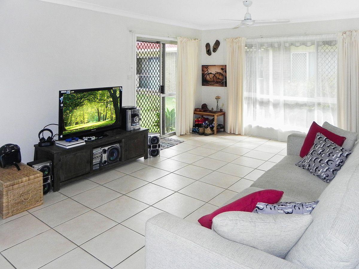 3/8 Jewel Street, Golden Beach QLD 4551, Image 2