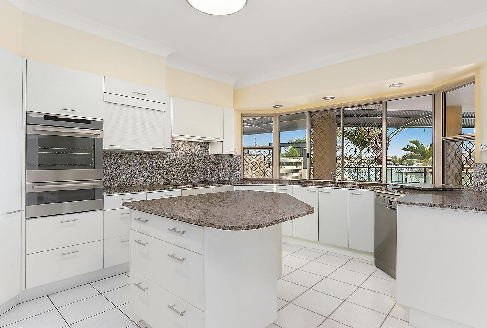 17 Seahaven Court, Raby Bay QLD 4163, Image 2