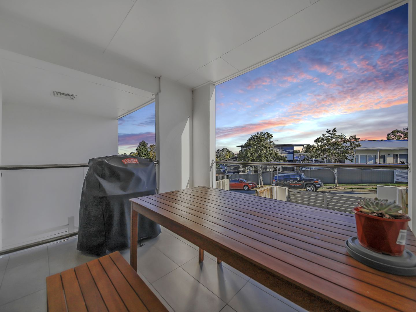 3/8 Oasis Close, Manly West QLD 4179, Image 1