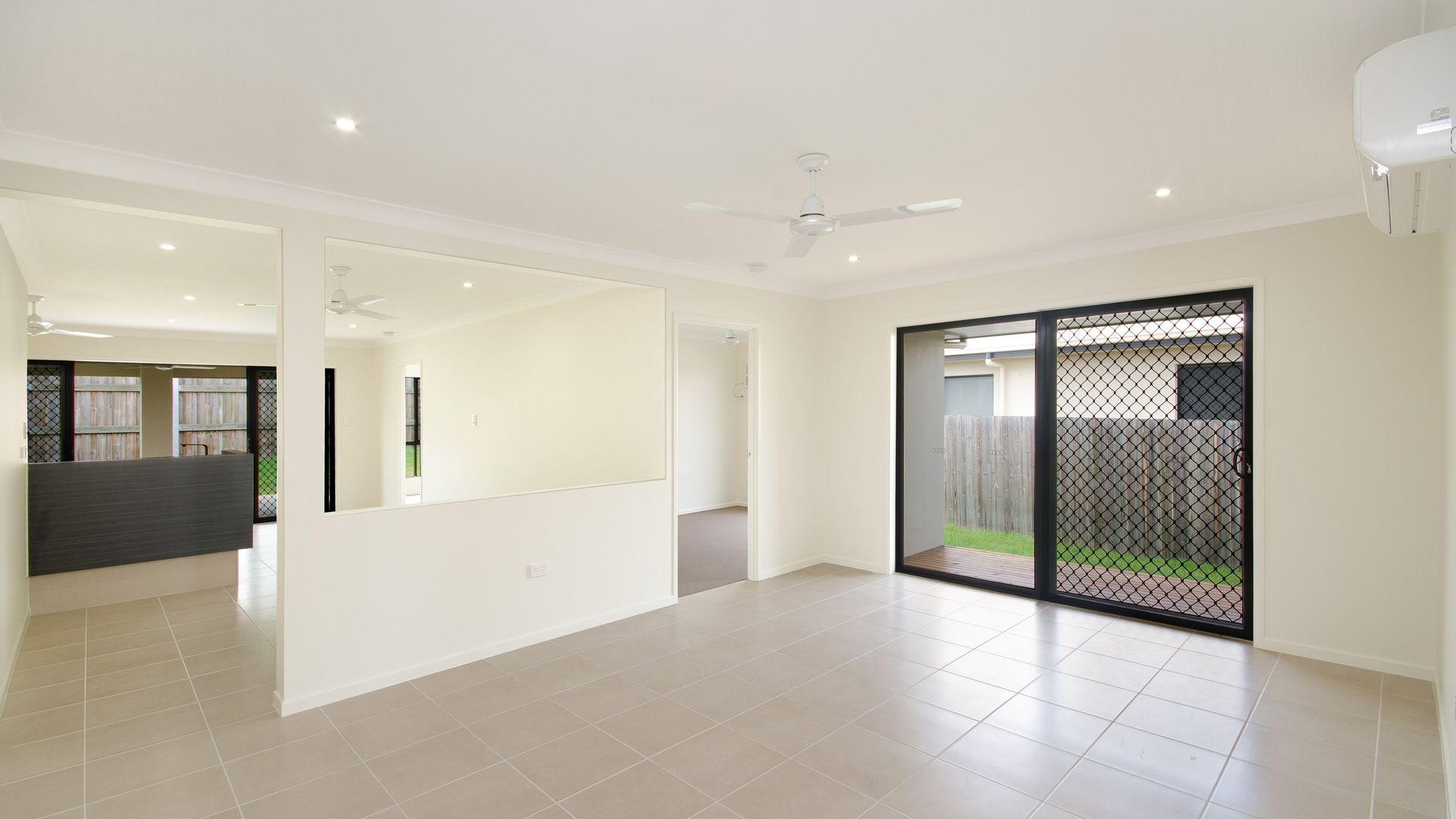 52 Twinview Terrace, Idalia QLD 4811, Image 2