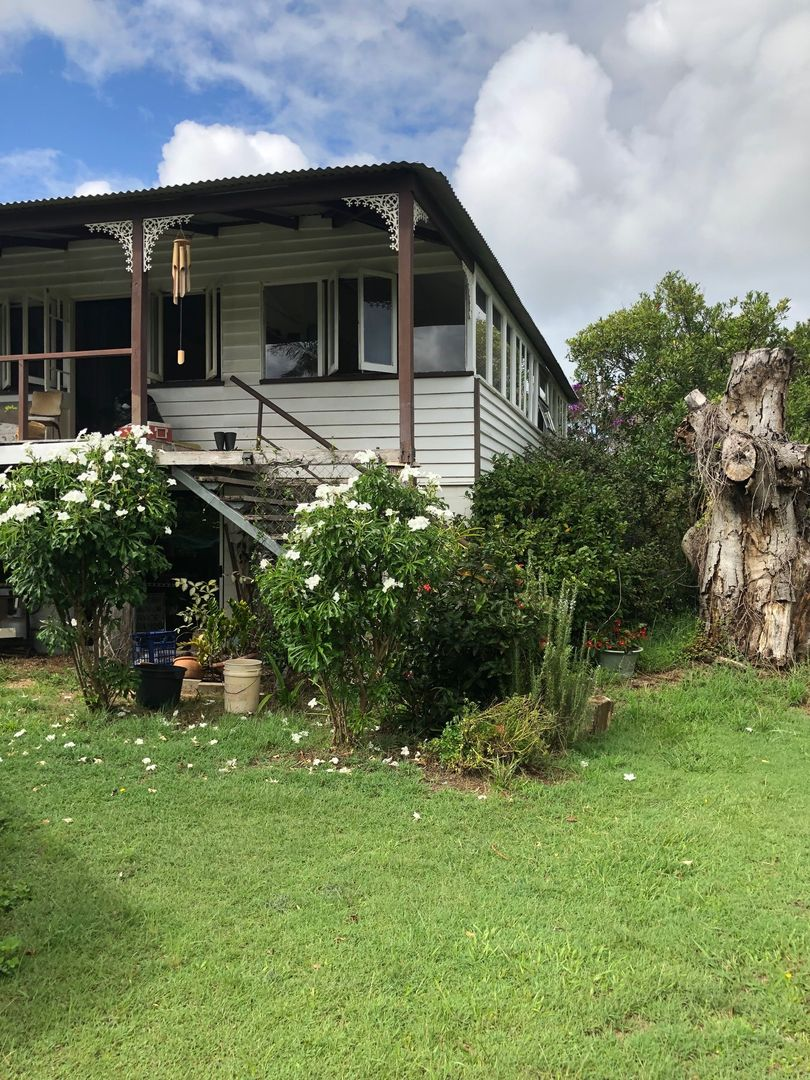62 Centre Rd, Russell Island QLD 4184, Image 2