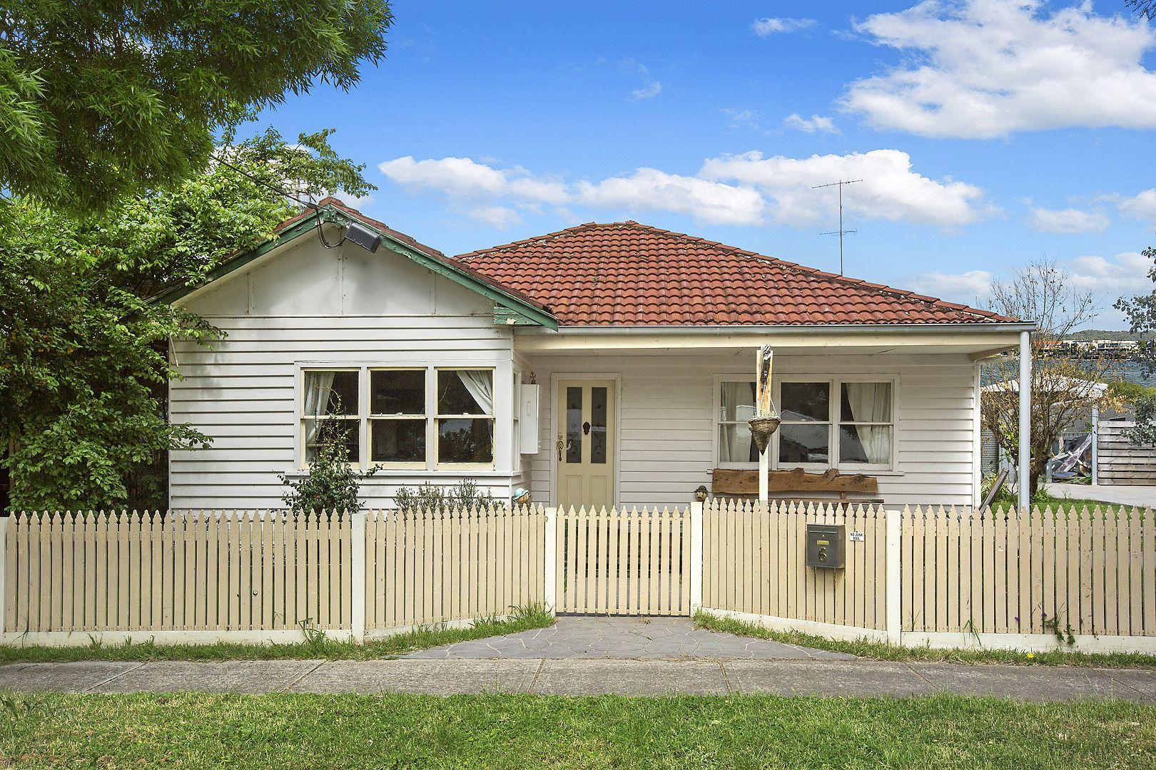 6 MURCHISON STREET, Broadford VIC 3658, Image 0