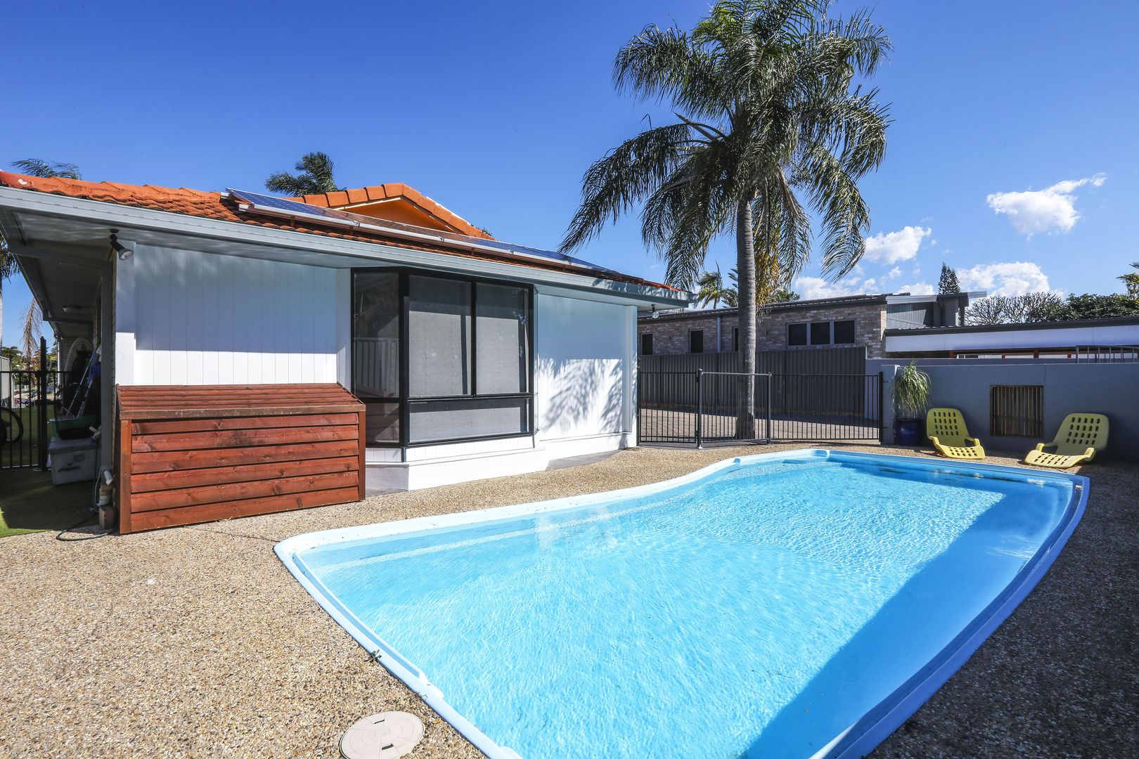 6 Driver Court, Mermaid Waters QLD 4218, Image 2