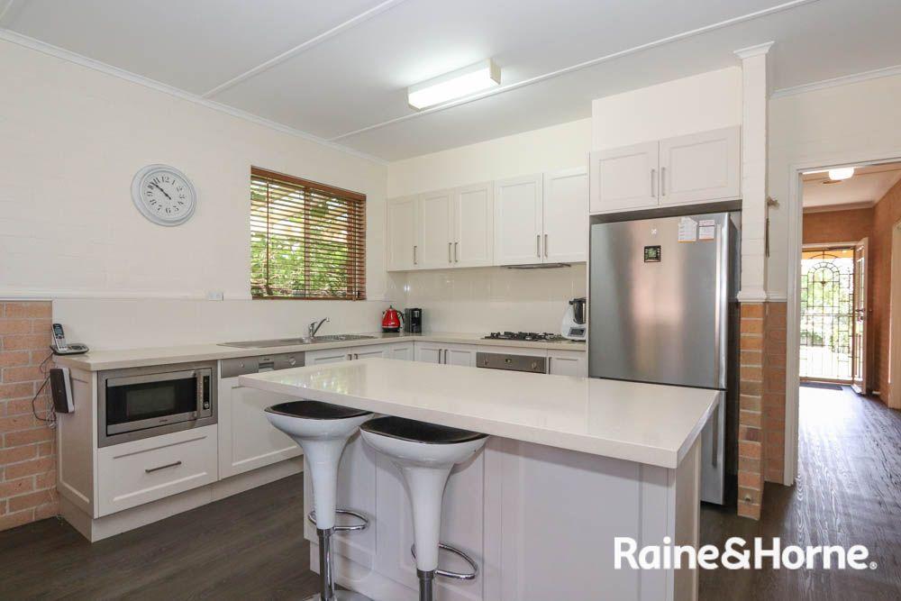 6 Busby Street, South Bathurst NSW 2795, Image 2