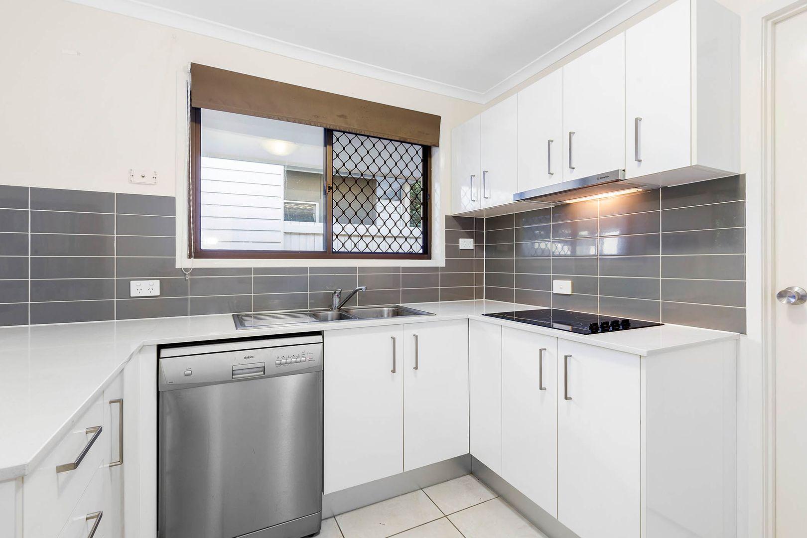 2/51 Lovegrove Street, Zillmere QLD 4034, Image 2