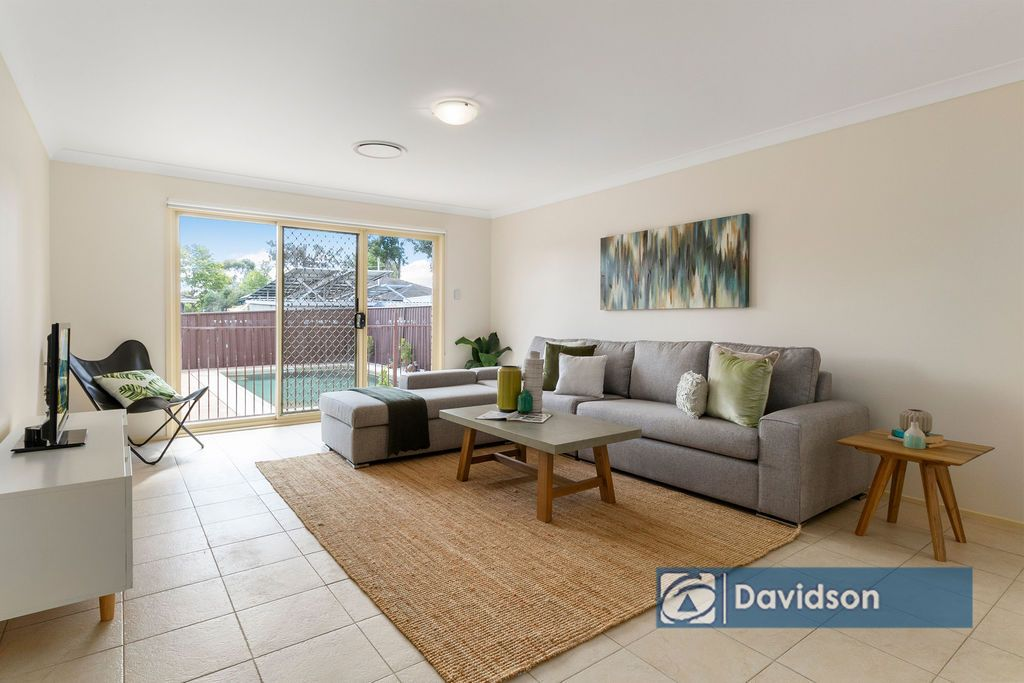18 Miri Crescent, Holsworthy NSW 2173, Image 2
