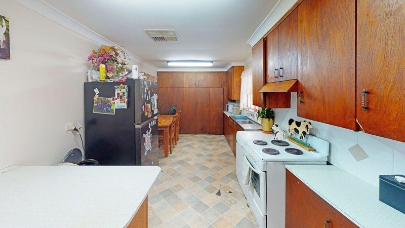 11 Orr Street, Junee NSW 2663, Image 1
