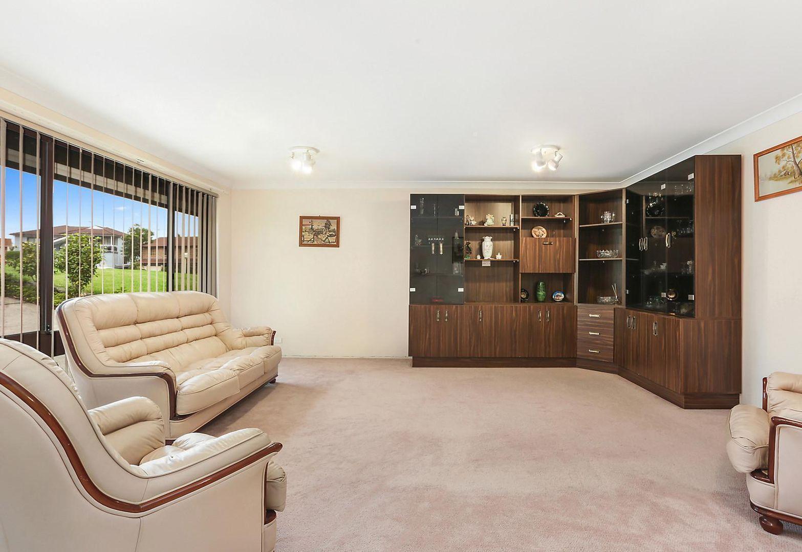69 Stockdale Crescent, Abbotsbury NSW 2176, Image 2
