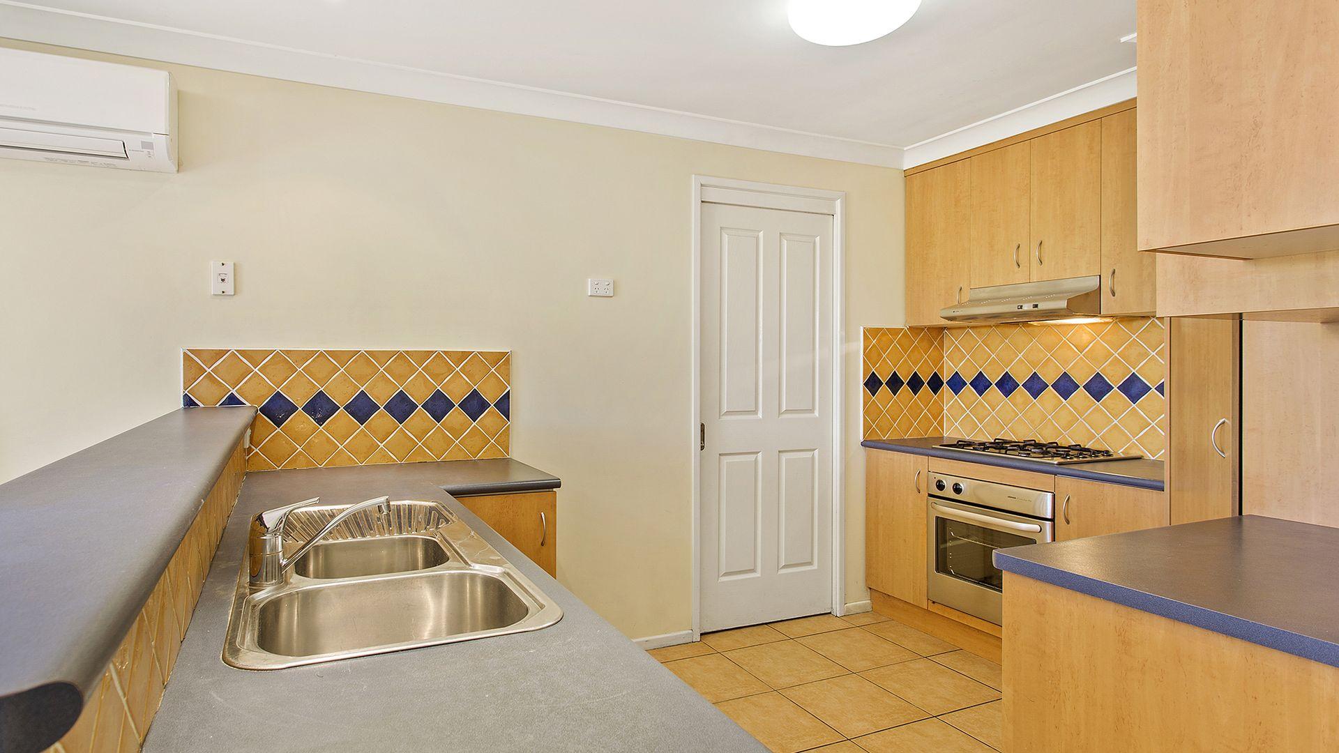 1/392 Stenner Street, Kearneys Spring QLD 4350, Image 1