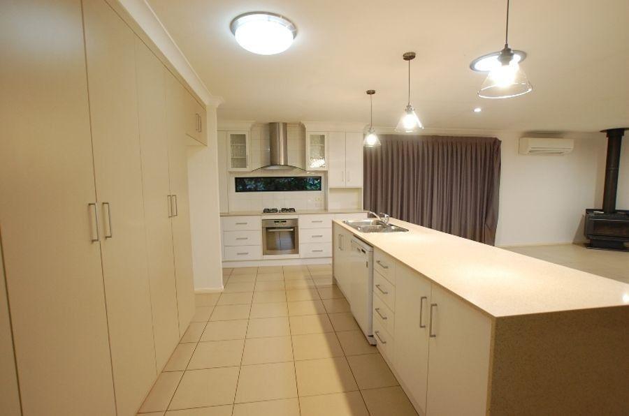 2 Kookaburra Court, Highfields QLD 4352, Image 1