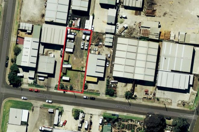 Picture of 8 Bentley Street, WILLIAMSTOWN NORTH VIC 3016