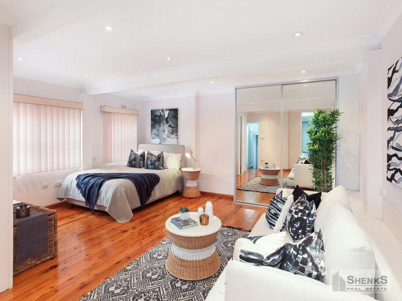 13 Strathallen Avenue, Northbridge NSW 2063, Image 2